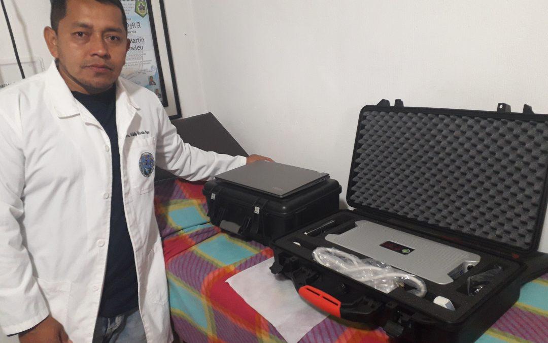 Dokter Puac ontvangt echo apparaat